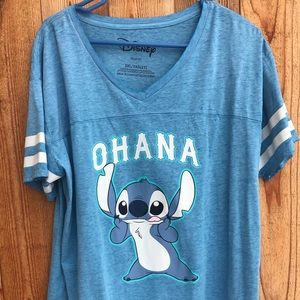 Tops - Disney T-shirt